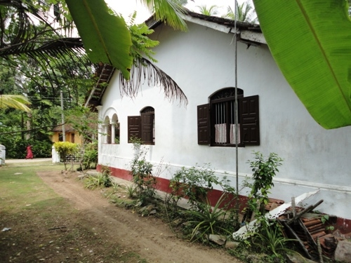 Realty Lanka Galle in Sri Lanka -  Old Colonial house in amidst a palm grove