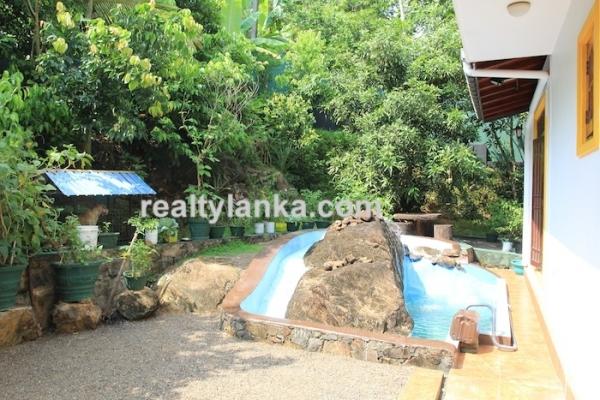 Small Villa In Hikkaduwa