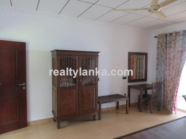 4 Bedroom villa Bentota