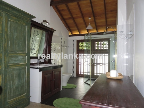 3 Ensuite Villa With A Riverfront