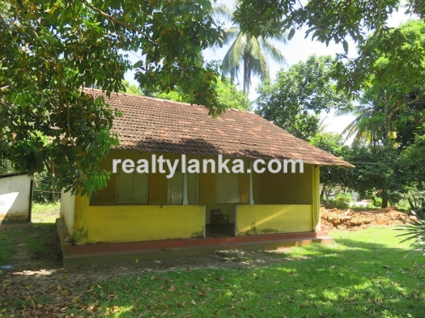 A Small Colonial House In Habaraduwa