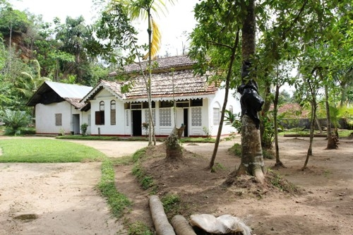 Realty Lanka Galle in Sri Lanka -  Beautiful old house close to the beach